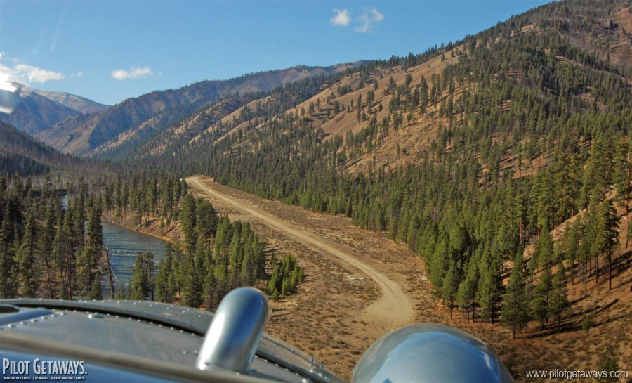 Final approach to Indian Creek in a Beaver